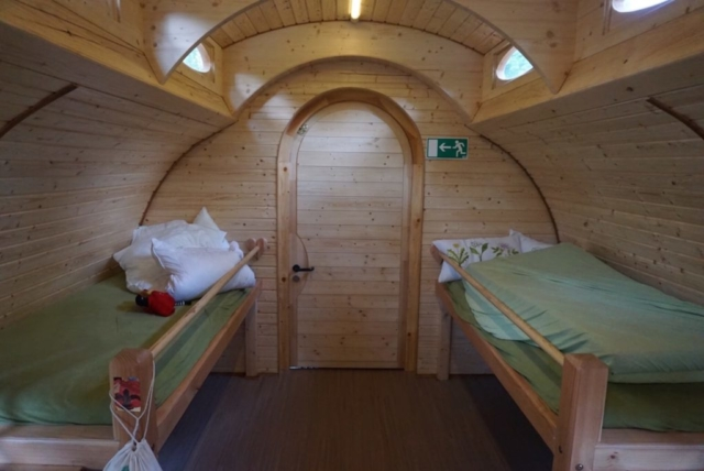 Holzbetten für Gäste, Kinderbett aus Holz, Hotelbedarf