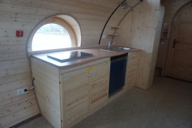 Küche im Tinyhouse, Holzküche in der Ferienwohnung