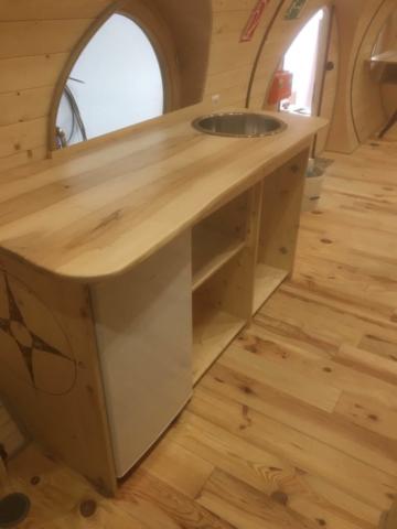 Schreinermöbel aus Naturholz Kindergarten