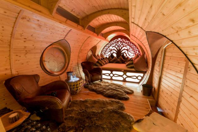 Luxus Schlafzimmer mit Kunstbett